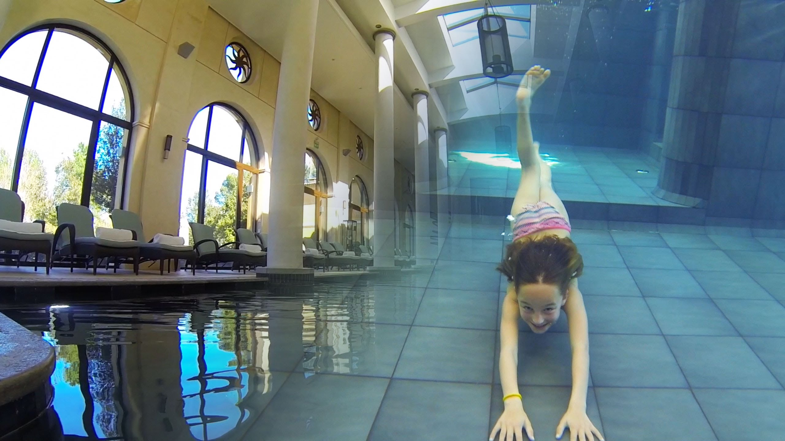 Carla Underwater – Amazing Inside swimming Pool