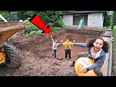 Swimming Pool In Our Garden –  House Tour – Gross Mud Challenge | Famtastic